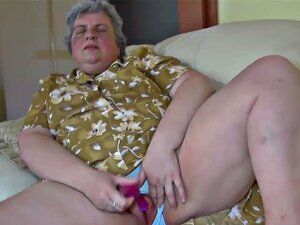Babá E A Neta Dela Nua Porn