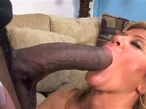 Cougar Madura Loira Milf Chupando Pica Preta Porn