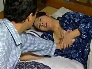 Bela Mãe Japonesa Seduz Filho Porn