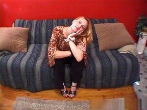Uma Estrela Porno Fabulosa Em Filme Pornográfico, Loiro Excitado, De Adultos Faciais. A Angel é Uma Loira Gira, Cujo Namorado Tem Uma Câmara Nova E Quer Filmá-la A Masturbar-se. Depois De Se Deitar De Costas E Abrir As Suas Pernas Suaves, Ela Dedos Sua Ra Porn