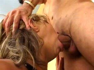 Milfs Brasileiras 2 - Morena Com Clit Grande. Milfs Brasileiras 2 - Morena Com Clitóris Grande Porn