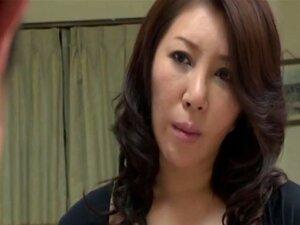 A Milf Japonesa Foi Atacada Pelo Filho. Porn