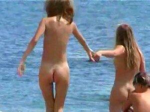 Com Tesão Voyeur Adora Espiar Pessoas Nuas Na Praia., Transpirados E O Sedutor Nudista Meninas Amor Indo Para A Praia E Se Seus Corpos Nus, Vistos Por Todos Porn